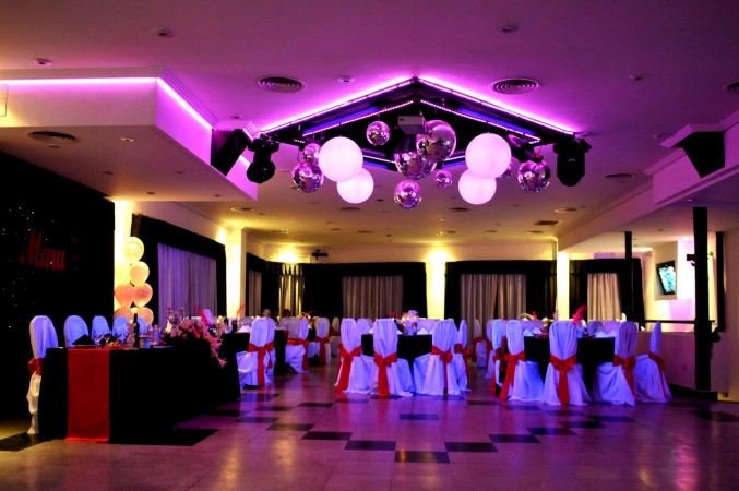 Foto de salones de fiesta foto n 7 de vitreaux - Iluminacion en salones ...