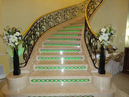 Salones de fiesta para 15 a os en gran buenos aires for Escaleras de salon