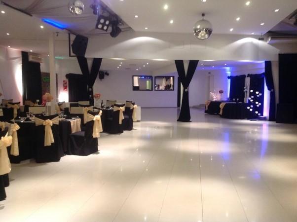 Foto de salones de fiesta foto n 9 de qara mia pista for Acropolis salon de eventos